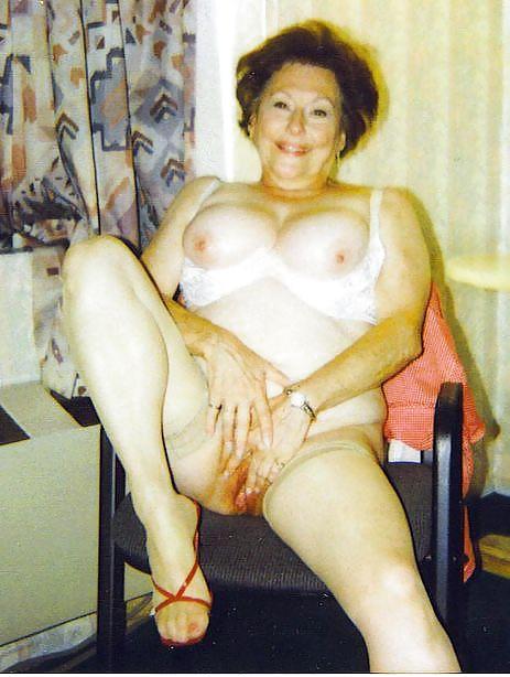 Фото ретро бабка голая